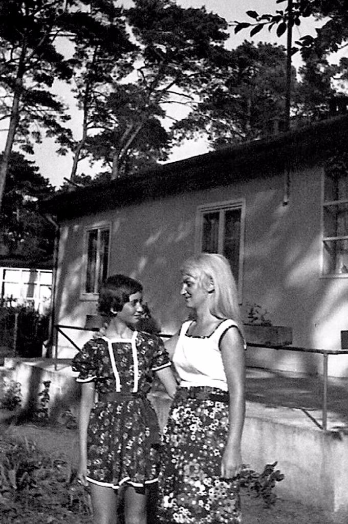 Johanna Kern  - z prywatnej kolekcji: dzieciństwo - z Mamą