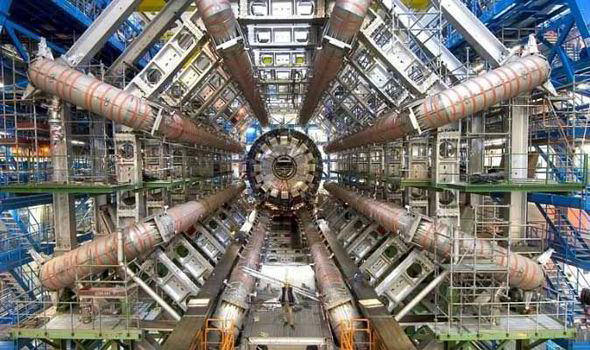 Large-Hadron-Collider-LHC-565315