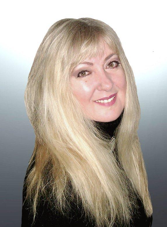 Johanna Kern, mentorka rozwoju, kanadyjska reżyserka filmowa, wielokrotnie nagradzana pisarka, założycielka oragnizacji H.O.P.E. Assn.